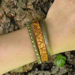 Bracelet artisanal femme cuir jaune gravé bohème chic