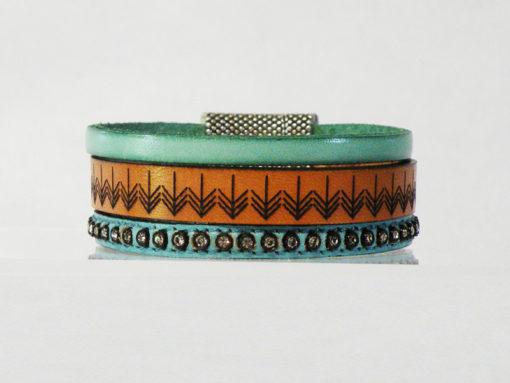 Bracelet femme cuir bleu lagon gravé made in France aimanté