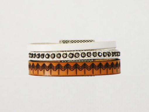 bracelet femme cuir blanc et naturel gravé ethnique de fabrication française