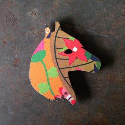 Magnet tête de cheval made in France motif soledad , découpé et gravé à la découpe laser