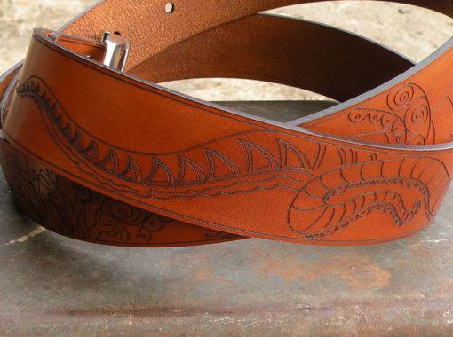 ceinture homme cuir marron , avec motif marin de fabrication artisanale
