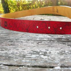 ceinture femme rouge à fleur de peau