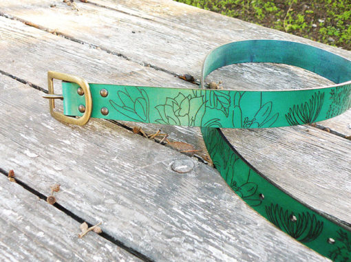ceinture femme cuir vert malachite gravée fleurs