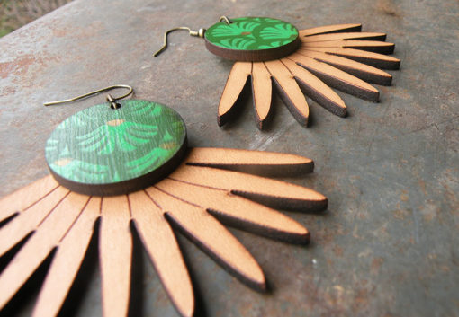 Boucles d' oreilles Joana n°1 en cuir naturel de fabrication artisanale, made in Gard.