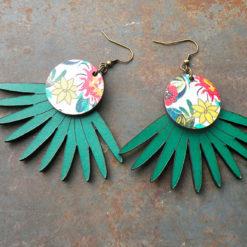 Boucles d' oreilles Joana n°2 vertes , originales et en cuir