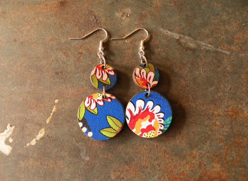 Boucles d' oreilles Fani , motif élisa sont fabriquées en France dans notre atelier à partir de nos chutes pour limiter nos déchets et surtout les valoriser.