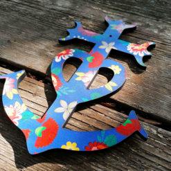 Croix de Camargue revisitées par des créatrices avec amour l' envie d' apporter de la gaité et de la chaleur dans votre intérieur