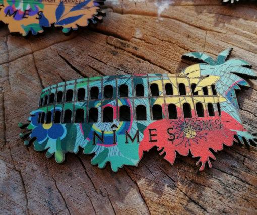 Magnet Arènes de Nîmes motif Alizée, fabriquée artisanalement avec amour par des créatrices du Gard.